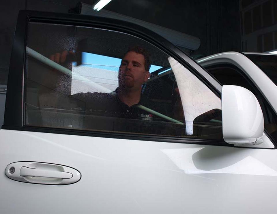 broken car window repair